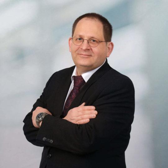Porträtfoto Rechtsanwalt und Fachanwalt Rudolf Sebastian Heim