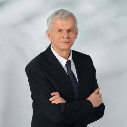 Porträtfoto Rechtsanwalt und Insolvenzverwalter Gerhard Fichter